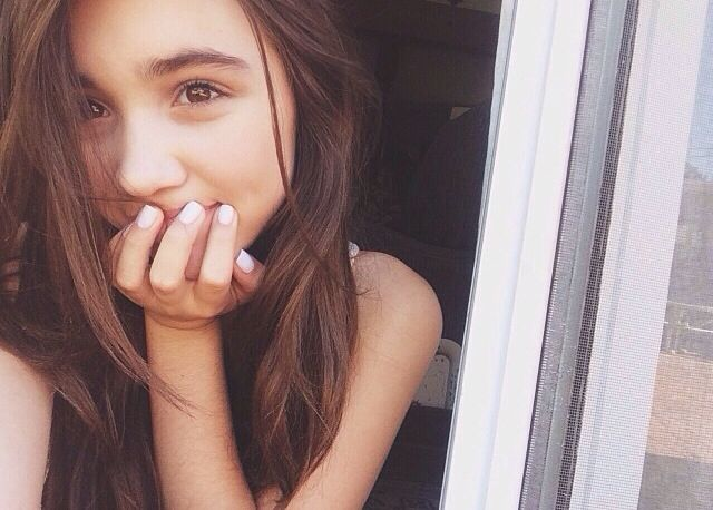 cute teen girl selfie - photo #13