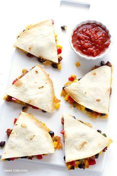 Southwestern Breakfast Quesadillas | http://gimmesomeoven.com