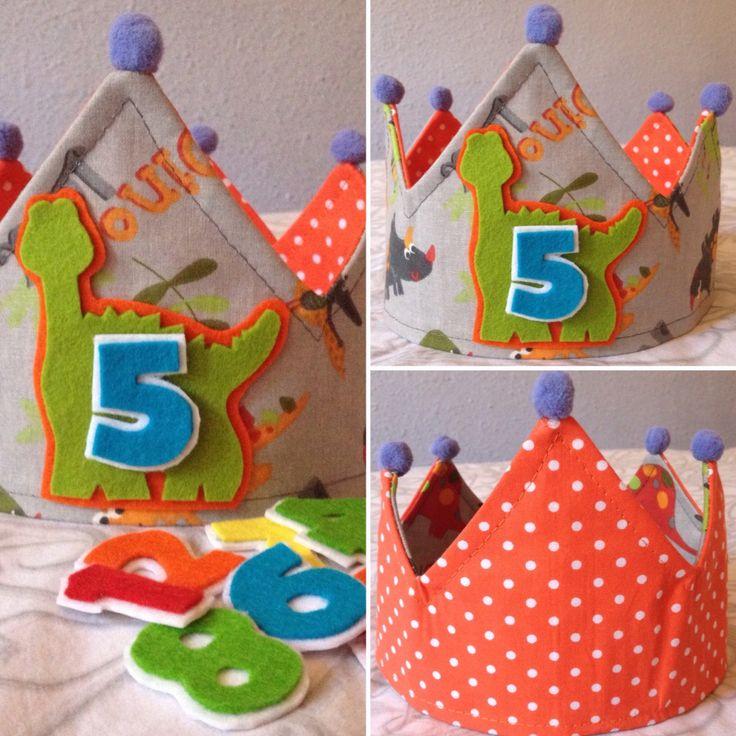 Corona  de cumpleaños  modelo dinos handmade ✂️
