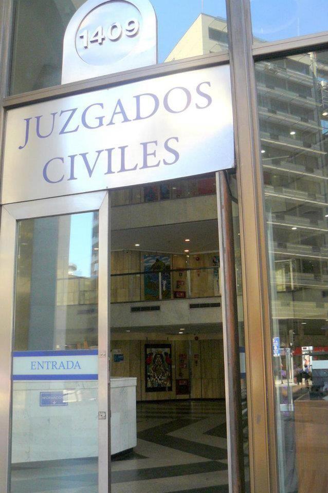La Diosa de la Justicia Santiago de Chile Pascal Martinez