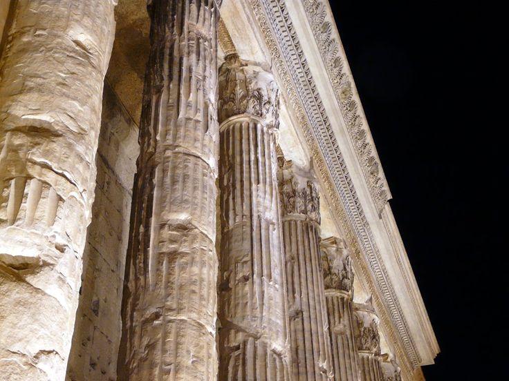 Oltre 25 fantastiche idee su colonne di pietra su for Colonne di portico di casa
