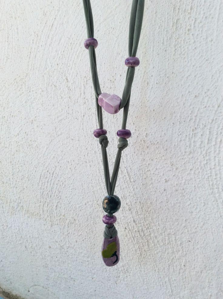 collana realizzata con scarti di sartoria e coralli in ceramica realizzarti da me