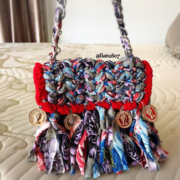 Fringe tyarn crocheted bag