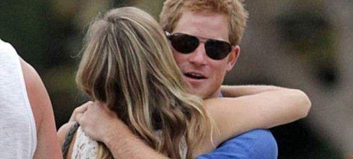 19χρονη πονοκεφαλιάζει το παλάτι: Ο πρίγκιπας Χάρι θα γίνει μπαμπάς Μετά από one night stand