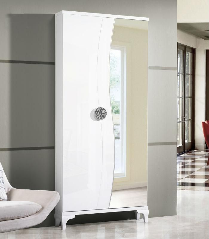 M s de 1000 ideas sobre puertas de armario con espejos en for Zapatero dos puertas