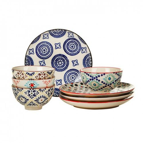 Evoking the complex artistry of traditional Moroccan tiles, this decorative set of four Mosaic mugs adds a burst of Middle Eastern pattern to the dining space. Made from fine quality stoneware, each piece features intricate hand-painted decoration and is finished with a smooth, glossy glaze.