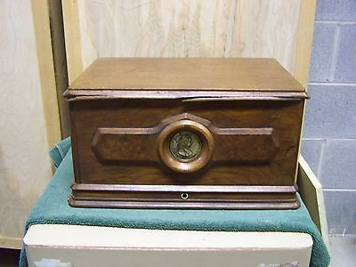 Rare-Antique-Elias-Howe-Treadle-Sewing-Machine-Cover-Box-Top-w-medallion