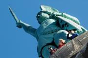 """Wandern auf dem #Hermannsweg, einem der schönsten Höhenwege Deutschlands. Auf 156 km durch zwei Naturparks und über den Kamm des Teutoburger Waldes. Dörenther Klippen & das Hockende Weib, die Externsteine und natürlich das Hermannsdenkmal. Definitiv mehrere Sterne wert - und deswegen auch erneut """"Qualitätsweg Wanderbares Deutschland"""". http://www.muensterland-tourismus.de/4777/hermannsweg-wandern"""