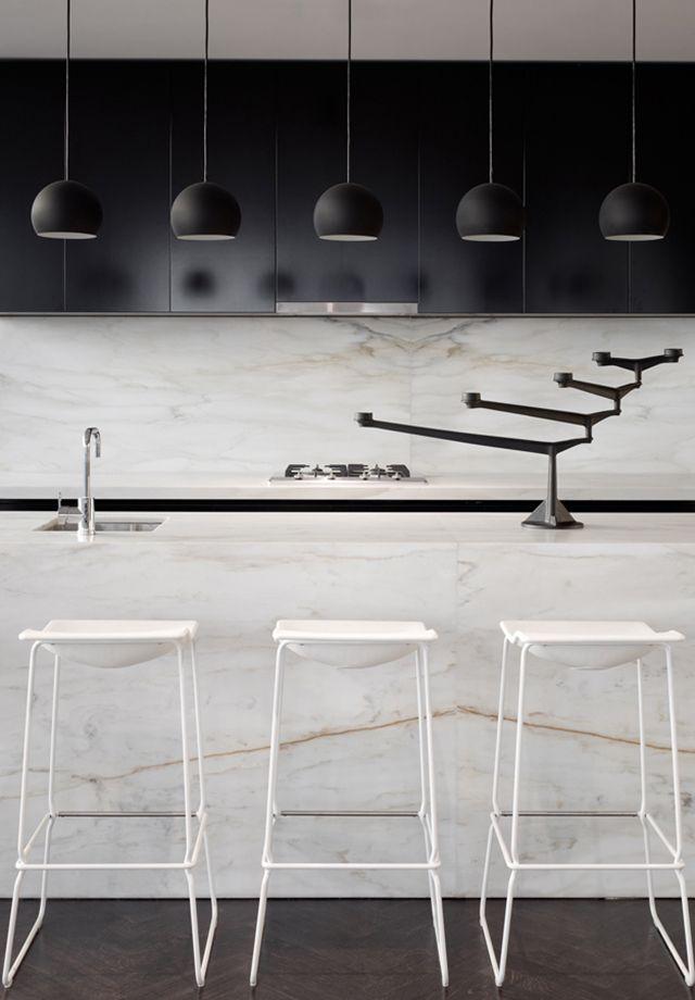beautifully sleek marble kitchen. 33 Mackenzie street tower Melbourne By Elenberg Fraser