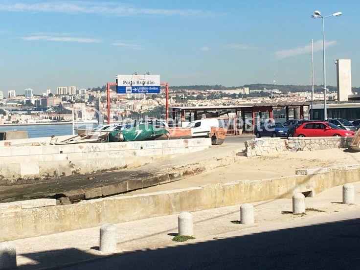 Vende Prédio, 4 apartamentos T1, remodelado, Porto Brandão - Portugal Investe
