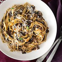 Porcini lovers' tagliatelle - Everyday with Rachael Ray