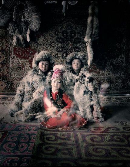 英国摄影师记录各地原始部落 _艺术中国