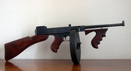 qsy-complains-a-lot: Thompson M1A1 submachine gun ... - Gun & Fez & Waffle