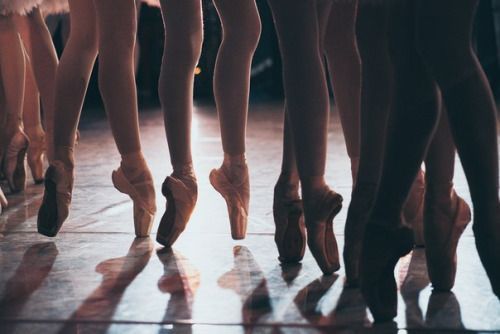 w a r m u p • • • Those few moments backstage. Love all the different posteriors of their Pointe shoes