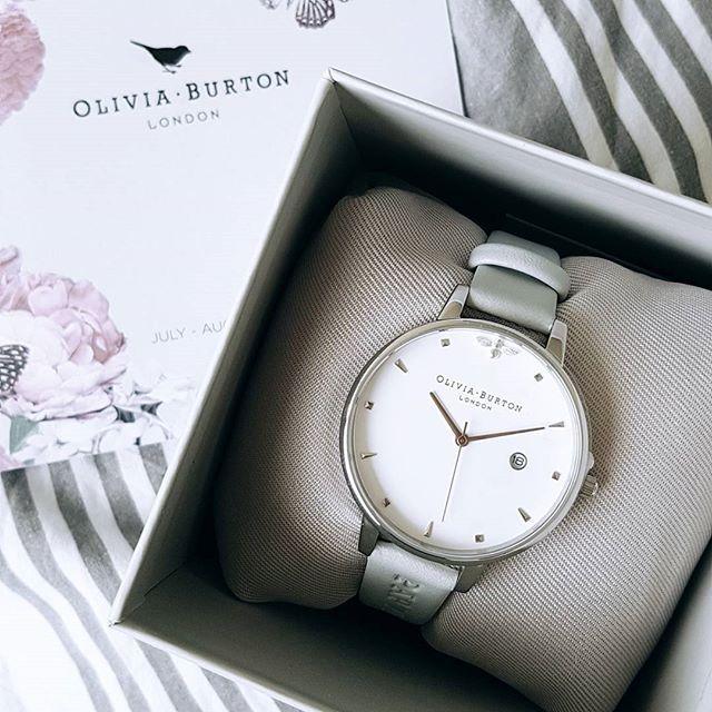 """Graduation gift from Mom&Dad ♡ Personalized Olivia Burton Queen Bee watch. It's perfect. #grateful"" by @suzanneluijckx. #sem #communitymanager #redessociales #website #web #google #salesfunnel #webmarketing #listbuilding #makingmoney #biztip #marketinglife #smtips #instagramforbusiness #smallbusinessowner #blog #fashionblog #bloggers #blogging #instablog #beautyblogger #styleblogger #blogueira #instablogger #wiw #styleblog #bloggerlife #lifestyleblogger #fblogger #bloggerstyle #look…"