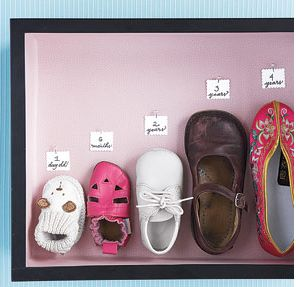 Shoe Growth ChartShadowbox, Kids Shoes, Cute Ideas, Growing Up, Growth Charts, Shadows Boxes, Old Shoes, Girls Shoes, Baby Shoes