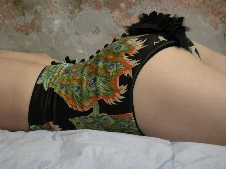 perhaps my favorite Strumpet and Pink knicker -- and that is a highly competitive title