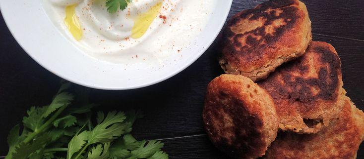 #Falafel - Falafelové placky podávame teplé so zeleninou a s chutným jogurtovým dipom či hummusom, alebo tradične – v pite. Je to na Vás. #Jednoduché – #rýchle – dokonalé! Dobrú chuť!