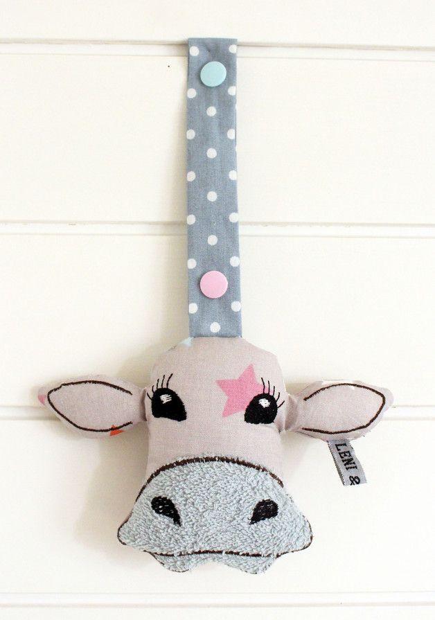 Süßer Greifling mit Glocke in Kuh Form für den Kinderwagen / fabric cow rattle for baby's buggy made by Leni & Zeus via DaWanda.com