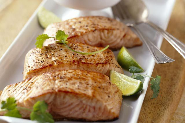 Salmon: Nutrition Information, Health Benefits, How to buy, and Controversies regarding wild and farmed fish