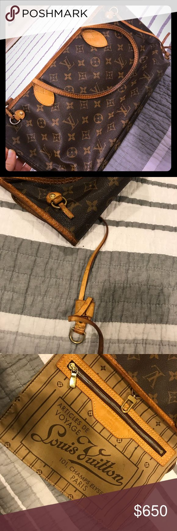 LV NEVERFULL PM Authentic Bag it's use 100% authentic i have the paperwork to proof it , i just recently took it to Neiman Marcus LV store to get clean and fix but change my mind end up buying the bigger version of the neverfull bag smh, has you can see on the pic one of the side strap it's broken and it does needs some cleaning which you can bring the strap and get it clean at the lv store Size: W28 x H23 x D12cm (W11.0' x H9.0' x D4.7 Louis Vuitton Bags Shoulder Bags