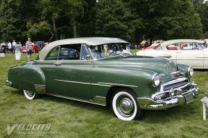 Acima o Chevrolet Belair 1951 (www.velocityjournal.com) concorrente direto do Ford Victoria. Aqui no Brasil, no entanto, foi muito mais popular. Havia muitos destes carros circulando apesar de seu preço ser bem maior do que o do sedan