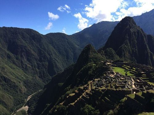 Can you imagine living in such a place? #Peru #MachuPicchu #Montana #RTW #JulesVernex2 More on our stay in Peru on our travel blog julesvernex2.wordpress.com