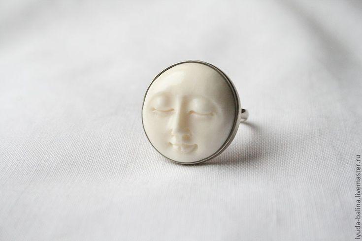 """Купить Кольцо с камеей """"Полнолуние"""" - белый, камея, лицо, кость, кость резная, кольцо, образ"""