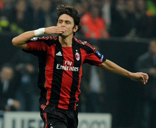 Oi oi oi! Oi oi oi oi! Pippo Inzaghi segna pero noi!