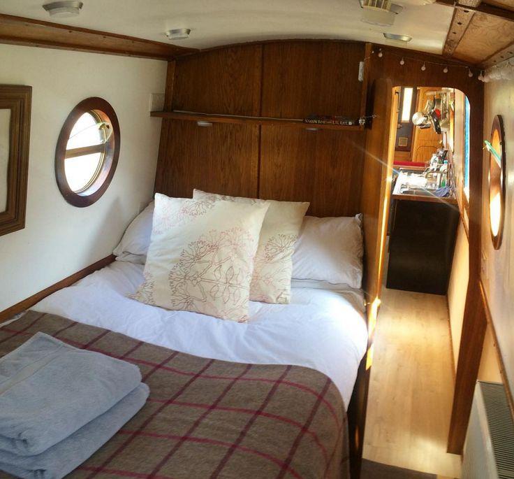 Narrow escape - narrowboat hire