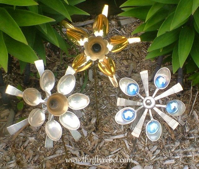 How to Make Cutlery Flowers - (I happen to have a bunch of spoons and now I have something fun to do with them - Who knew?)