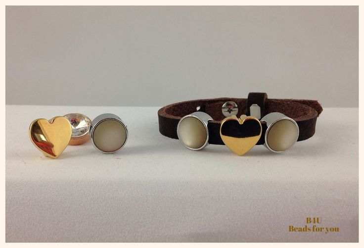 B4U Fall Collection. Here: Leather bracelet with Hearth and Cachabons. For more jewelry and pics visit: facebook.com/roxanaebalmes?