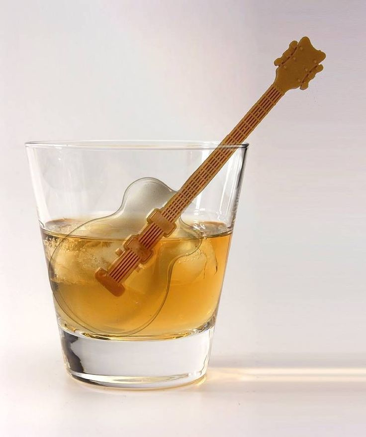 Guitar Ice Cube Tray - Posh Totty Designs www.machogifts.tumblr.com