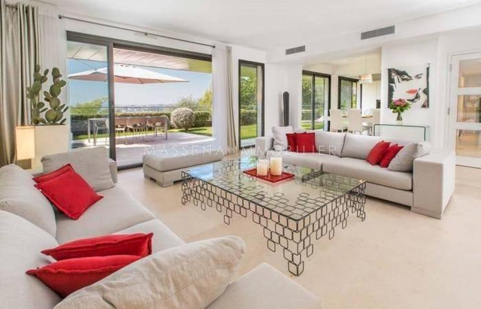 #Vente f4 140m2 #Nice06 Mont Boron Rez de jardin dans une résidence luxueuse. Présenté par notre partenaire Masséna Immobilier + d'infos sur notre site http://www.evidence-immobiliere.com/immobilier/vente/appartement/nice/annonce_14536790/