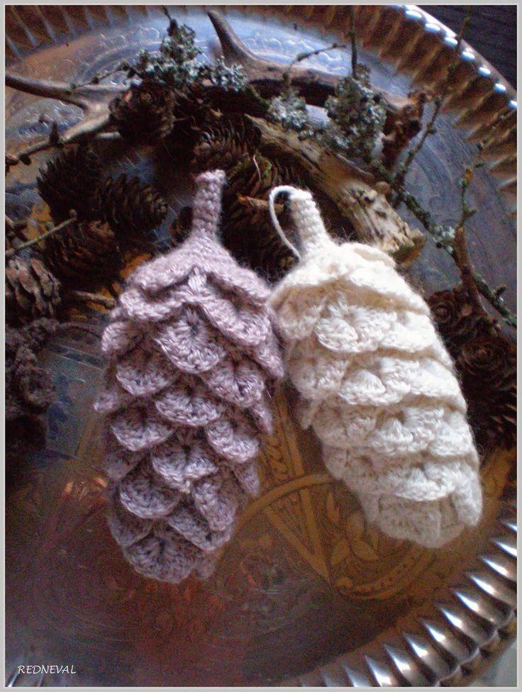 Crochet pinecones