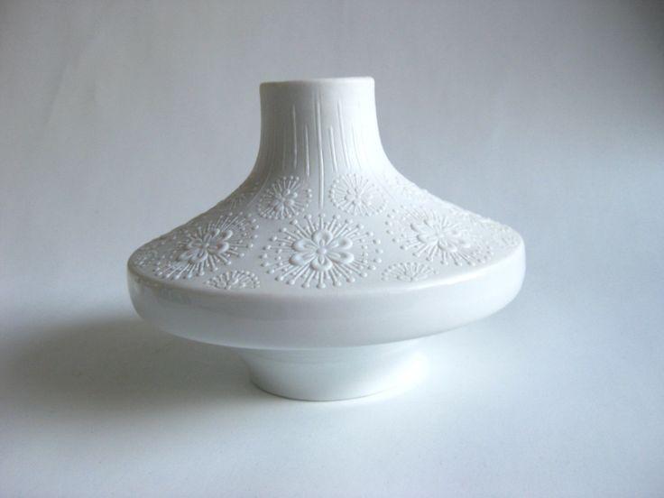 https://www.etsy.com/de/listing/167754535/vintage-bisque-vase-edelstein?ref=market