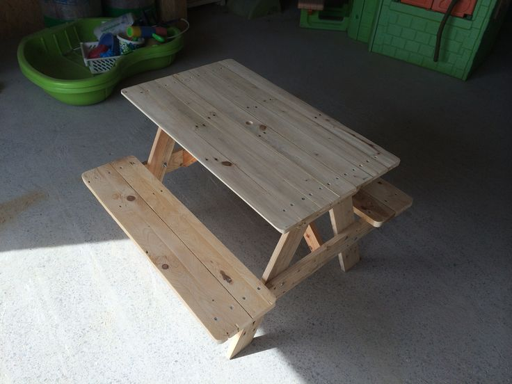 table de picnic pour enfants instructions de montage bosch les palettes r cup et. Black Bedroom Furniture Sets. Home Design Ideas