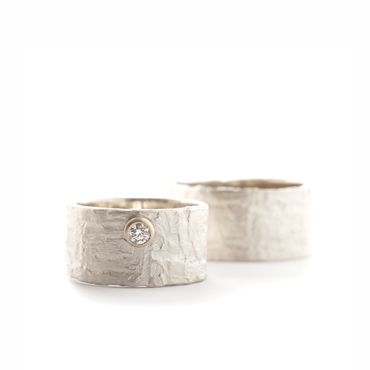 Silver rings with structure and diamond | Wim Meeussen &CTRA Silver Jewelry Antwerp