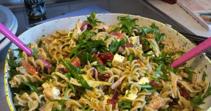Pastasallad med kyckling och Pesto - Recept - Stowr