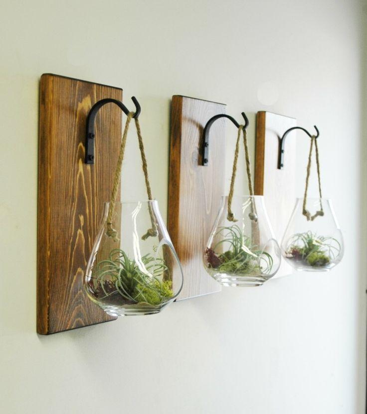 idée de décoration de porte-manteau avec des plantes suspendues