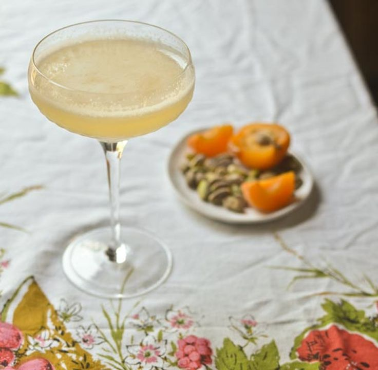Classic Cocktail: The Corpse Reviver #2 — Drinks from The Kitchn