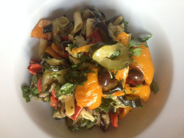 The absolut best pastasalad: Baked veggies, olives, parsly and a dijonvinaigrette