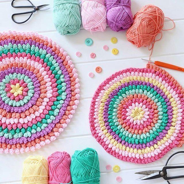 Beautiful crochet makes from Mandy of @crochetbyredagape.. . . @crochetbyredagape Mandy'den guzel tığ işi yastıklar! #crochet #ganchillo #craftsastherapy #color #colourful #colorful #icecream #gelato #yarn #garn #virka #haken #Häkeln #tigisi #popcorn #bobble #candy #hobby #cushion #yastikkilifi