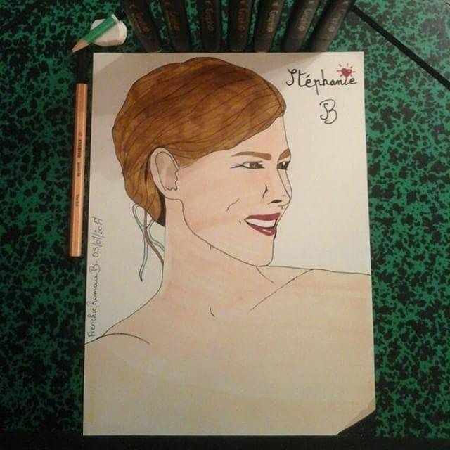 Post 1/2  Je suis parti d'une de ses photos pour réaliser ce portrait essayant de rester fidèle le plus possible.  I've taken one of her photos as a starting point to draw that sketch trying to stay as closer as possible.  Une très belle personne à suivre / A really beautiful person to follow | #Draw #Drawing #Drawings #DrawingByMe #InstaDraw  #InstaDrawing #Sketch #Sketching #Art #Artsy  #Artwork #Illustration #Realism #InstaArt #Realistic  #Pencil #RealisticDrawing #InstaArtwork…