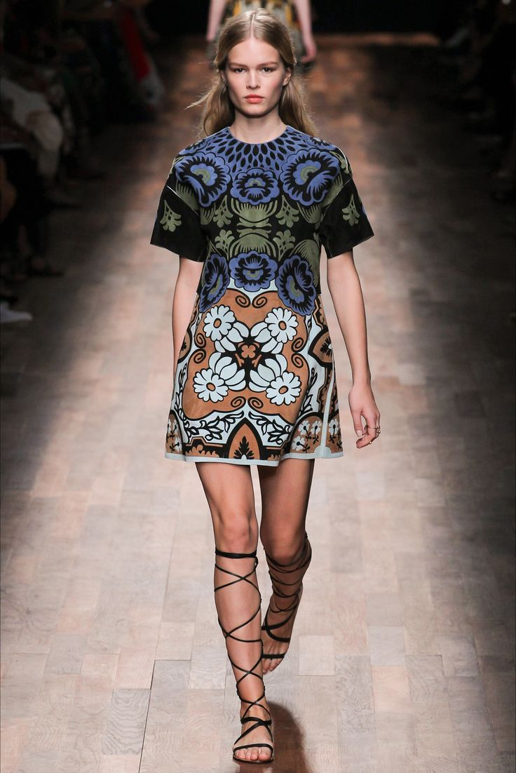 Valentino - Spring Summer 2015 Ready-To-Wear - Shows - Vogue.it