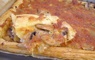 W Mojej Kuchni Lubię.. : na szybko pizza na cieście francuskim...