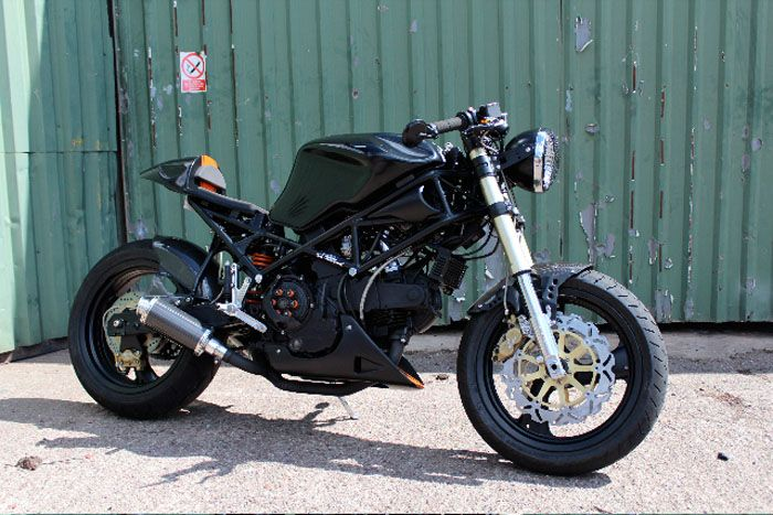 """A M900 Ducati Monster with a Ducati ST2 gas tank from """"MIM"""" Made in Metal LTD of the UK"""
