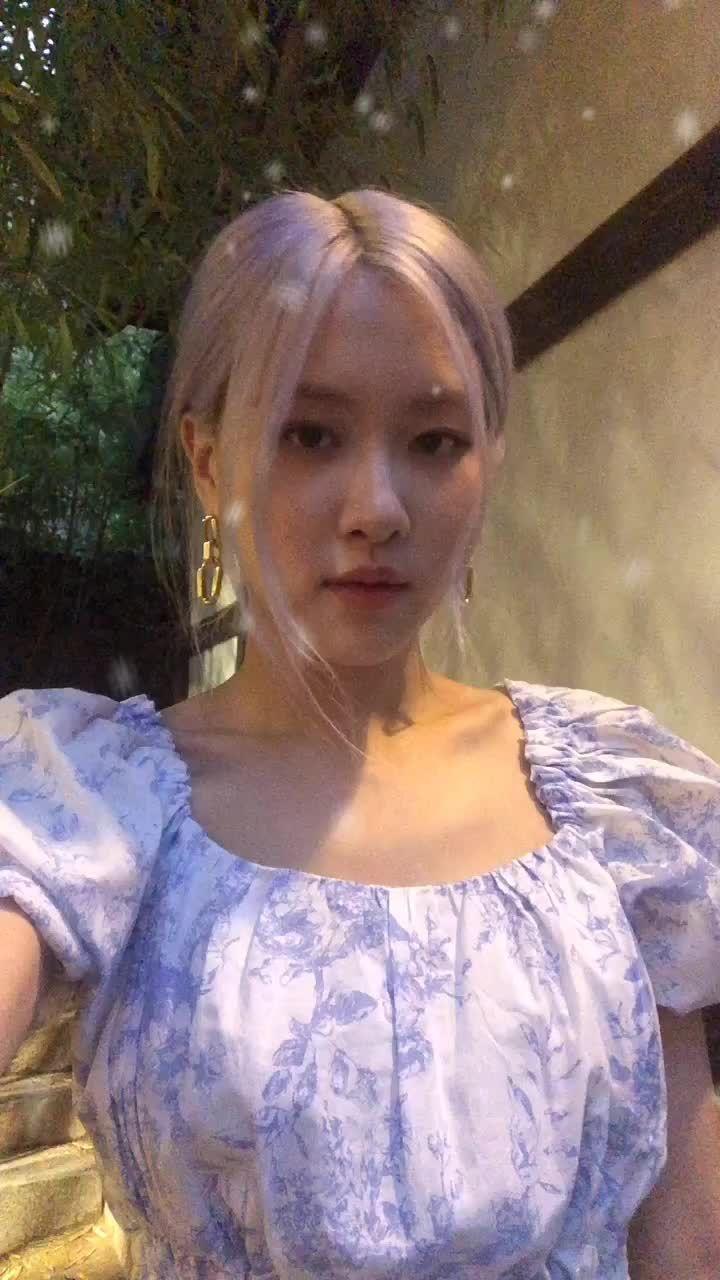 Pin Oleh Eunsoo Di Tik Tok Selebritas Gadis Cantik Putri Disney