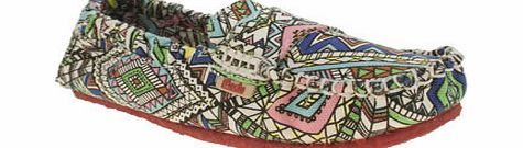 Mocks Multi Canvas Moccasin Aztec Flats Shun those dull and dreary flats of yours - Mocks present the Canvas Moccasin Aztec to banish boring footwear. The multi-coloured printed canvas style features an elasticated cuff for a secure fit, wi http://www.comparestoreprices.co.uk/womens-shoes/mocks-multi-canvas-moccasin-aztec-flats.asp