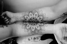 Resultado de imagen para all black tattoo